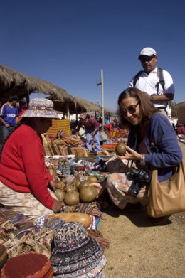 Sacred_Valley_Marketplace.jpg