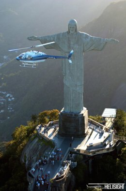 Christ_the_Redeemer_Heli.JPG