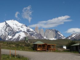 Torres_del_Paine_house.jpg