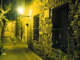 Colonia_Old_Town_at_night.JPG